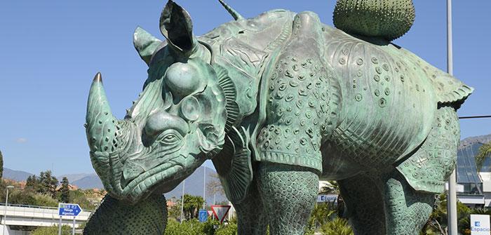 Qué ver en Marbella: Estatua de rinoceronte