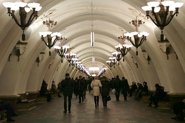 Moscú en invierno: pasillos del metro