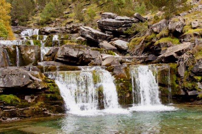 cascada-parque-nacional-de-ordesa-y-monte-perdido