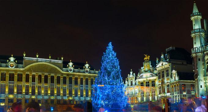 bruselas-plaza-iluminada