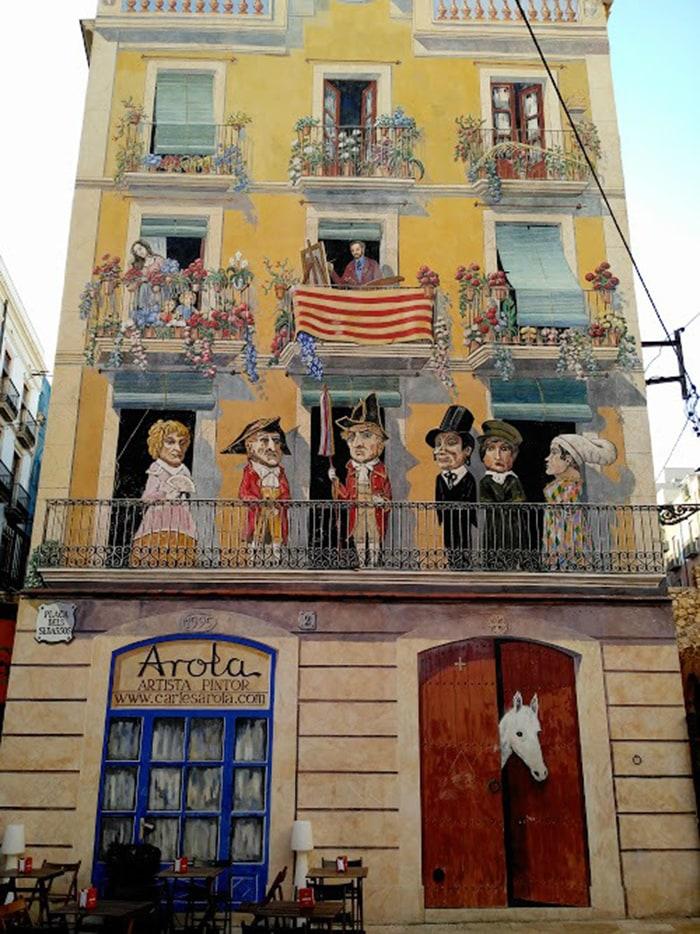 Qué ver en Tarragona: Carlos Arola en Plaça del Sedassos.
