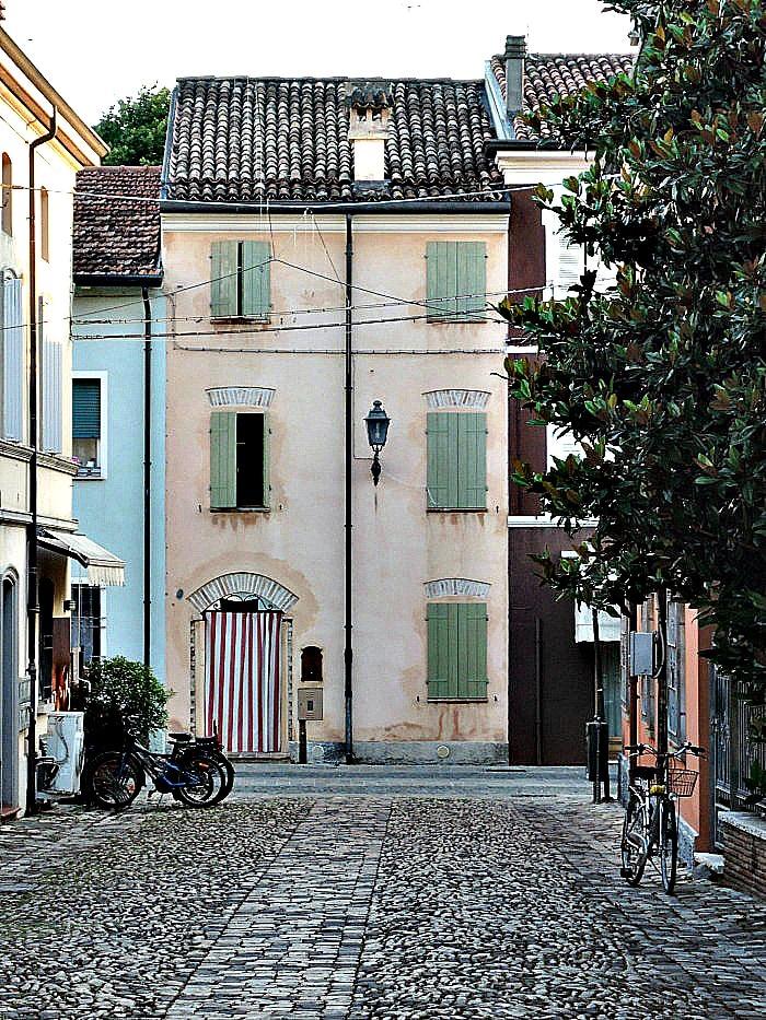 Piazzetta Conserve
