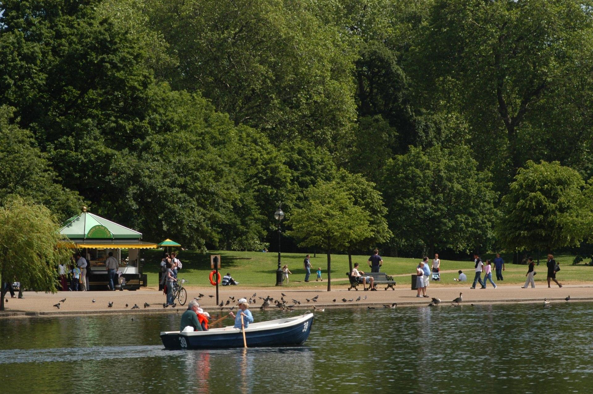 Hyde Park Boating Lake© Andy Lane