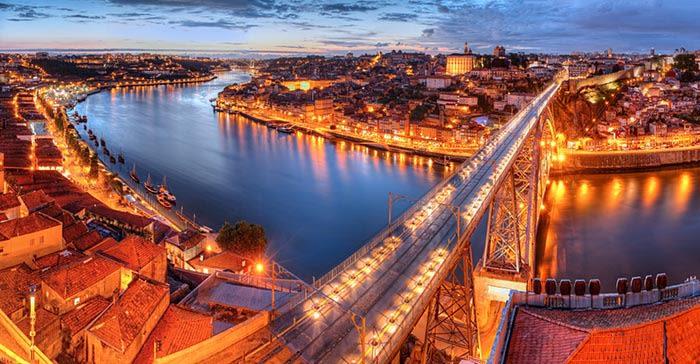 rio duero de noche oporto portugal