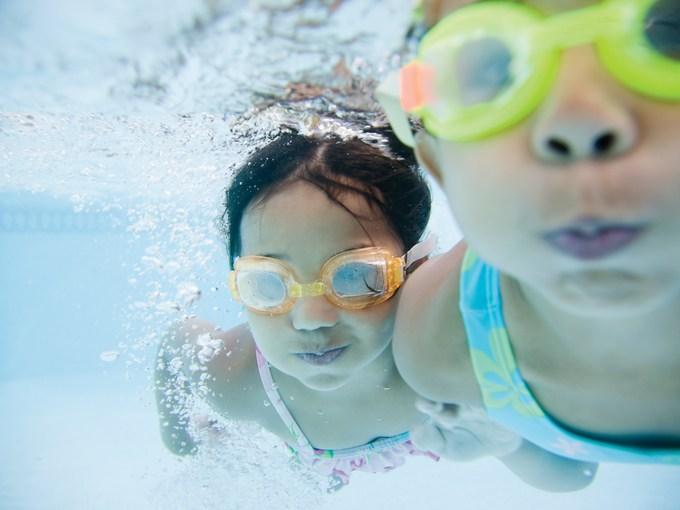 kids swimming