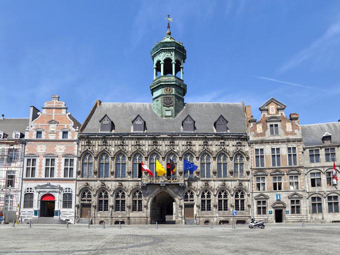 gran-plaza-en-mons-belgica