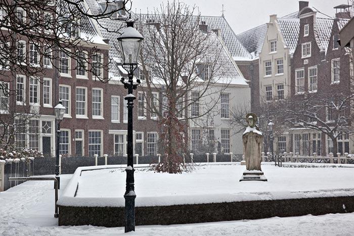 Begijnhof. Image by Eis Edwin van