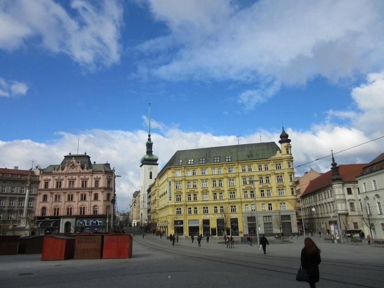Moravia del sur: plaza de La Libertad en Brno