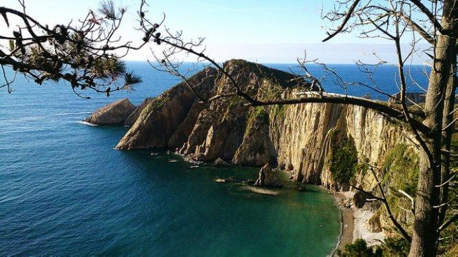 playa del silencio cudillero asturias