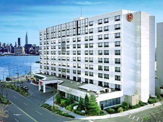 Weehawken im Sheraton Lincoln Harbor