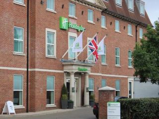 Urlaub Slough im Holiday Inn London - Heathrow T5