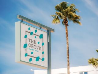 Urlaub Drepano im The Grove Seaside Hotel