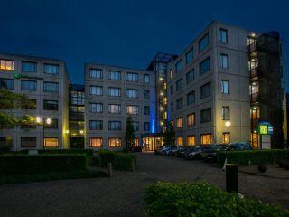 Urlaub Schiphol im Holiday Inn Express Amsterdam - Schiphol