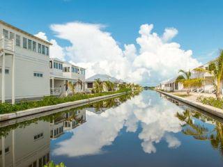 San Pedro im Mahogany Bay Resort & Beach Club, Curio Collection by Hilton
