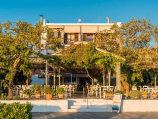 Urlaub Agios Andreas im Akroyali Hotel