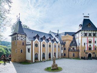 Urlaub Nova Role im SPA Hotel Zámek Luzec