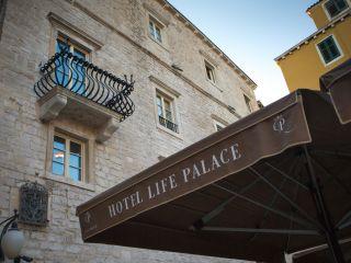 Sibenik im Heritage Hotel Life Palace