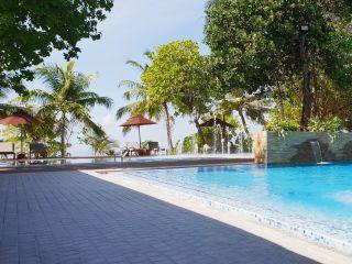 Urlaub Huvahendhoo im Lily Beach Resort & Spa