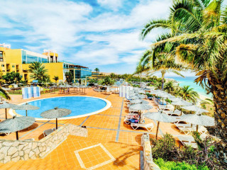 Playa de Esquinzo im SBH Hotel Club Paraiso Playa