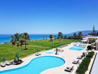 Urlaub Polis im Natura Beach Hotel & Villas
