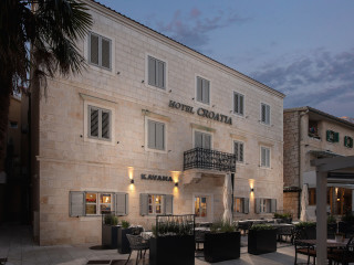 Urlaub Baška Voda im Hotel Croatia