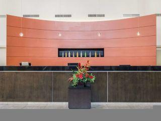 Elizabeth im Embassy Suites by Hilton Newark Airport