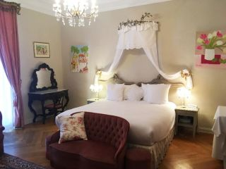 Guebwiller im Hotel The Originals Domaine de Beaupré