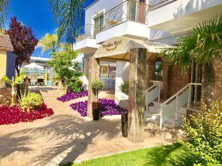 Urlaub Stavros im Paradice Hotel