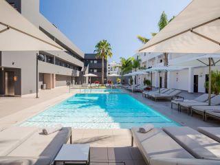 Playa d'en Bossa im Migjorn Ibiza Suites & Spa