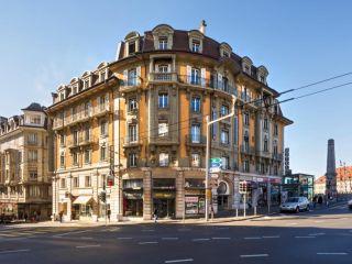 Lausanne im Swiss Wine by Fassbind