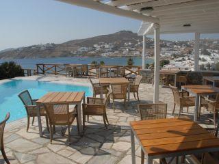 Ornos im Deliades Hotel