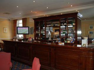 Cardiff im The Angel Hotel Cardiff
