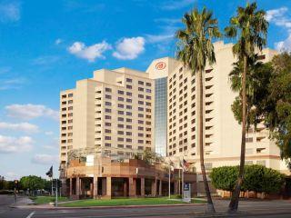 Urlaub Long Beach im Hilton Long Beach & Executive Meeting Center