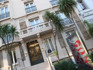 Cannes im Renoir