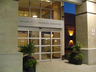 Toronto im Sandman Signature Toronto Airport Hotel