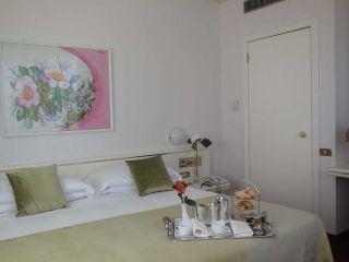 Bergamo im Starhotels Cristallo Palace