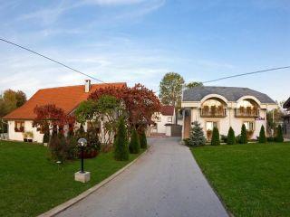 Rakovica im Villa & Restaurant Sedra