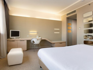 Bologna im Best Western Plus Tower Hotel