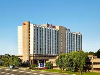 Elizabeth im Hilton Newark Airport
