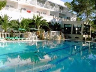 Urlaub Es Calo im Hotel Entre Pinos
