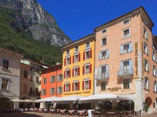 Urlaub Riva del Garda im Romantik & Wellness Hotel Portici