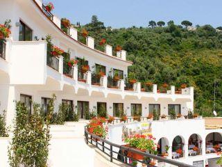 Urlaub Massa Lubrense im Punta Campanella Resort & Spa