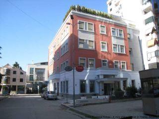 Tirana im Kotoni Boutique