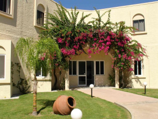 Urlaub Ixia im Summerland Hotel & Bungalows