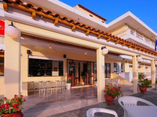 Urlaub Moraitika im Hotel Prassino Nissi
