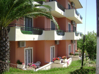 Urlaub Agios Stefanos Avliotes im Lofos Apartments