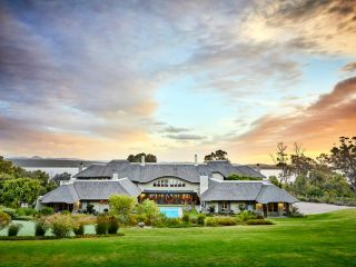 Hermanus im The Thatch House Boutique Hotel
