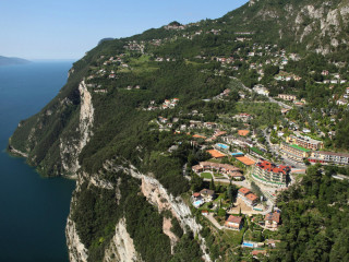Tremosine sul Garda im Hotel Village Bazzanega