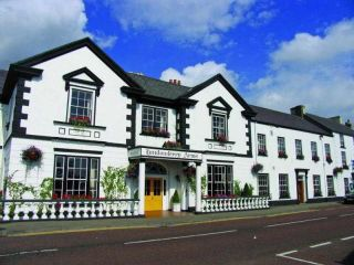 Carnlough im Londonderry Arms Hotel