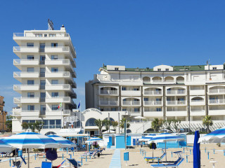 Miramare di Rimini im Yes Hotel Touring